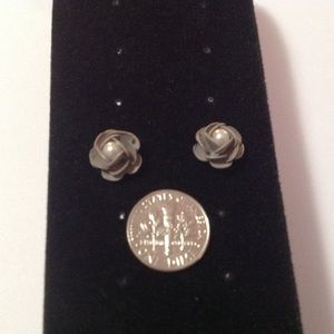 Jewelry - Gray Metal Pearl Stud Earrings